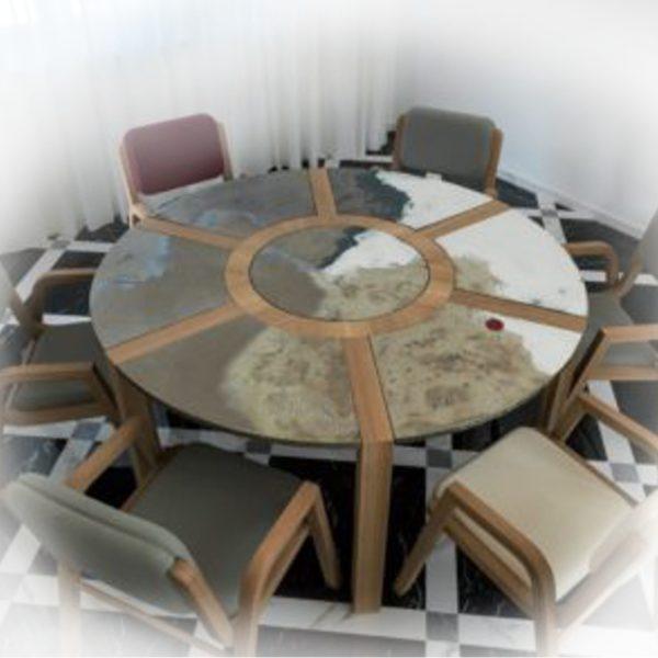 стол Domiziani