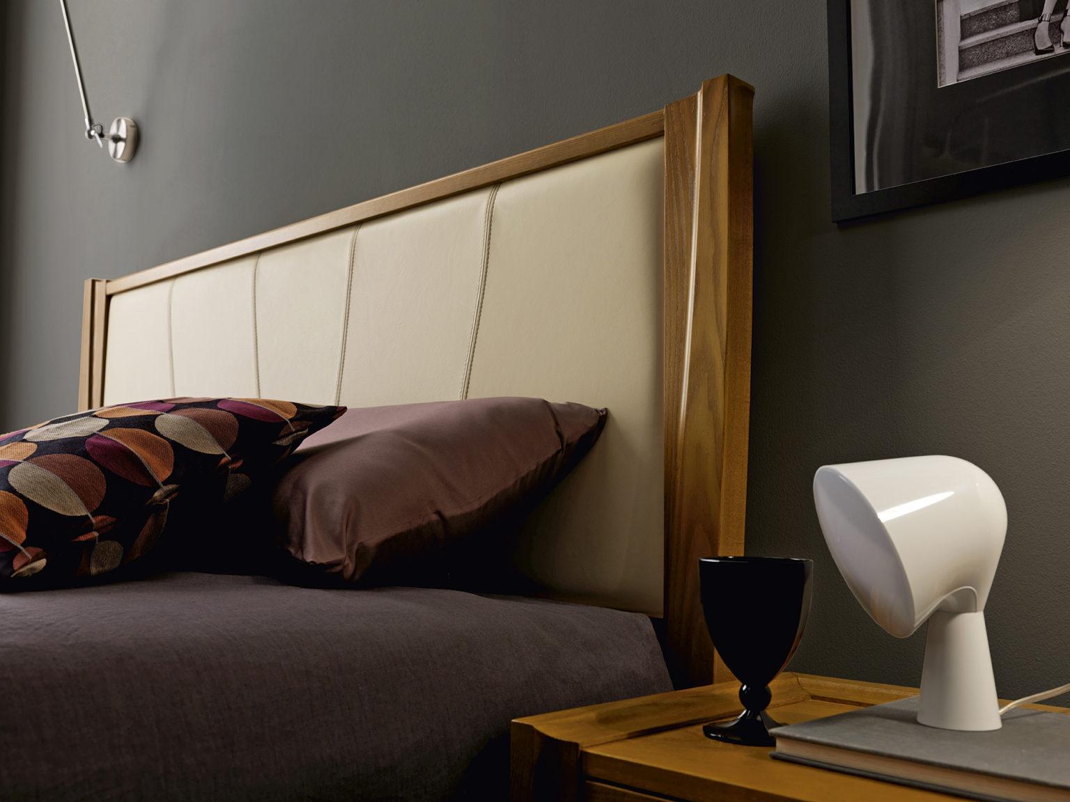 кровать Tulipano с мягким изголовьем TOSATO