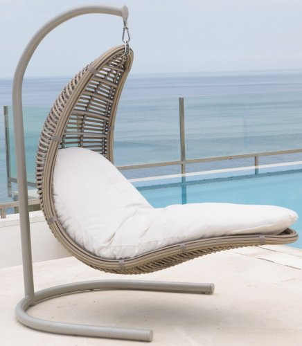 Кресло подвесное плетеное с подушкой Christy