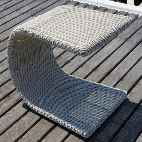 Столик плетеный для лежака Sophie