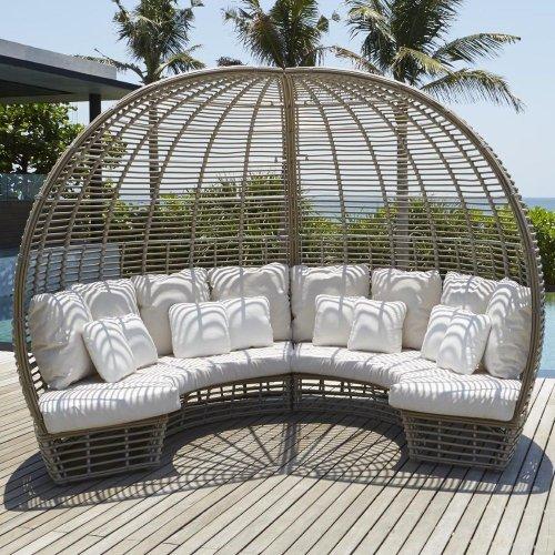 Лаунж-диван плетеный с подушками Sunday